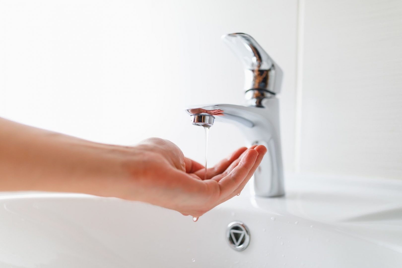 faucet and sink repairs are common, so knowing the proper warning signs can help homeowners